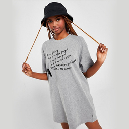 A t-shirt that describes and motivates you as a lady